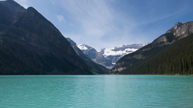 A landscape photo of Lake Louise made by Panasonic Lumix LX100 compact camera.