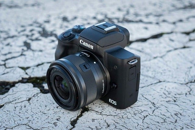 Is Canon M50 worth buying in 2020? (Review)