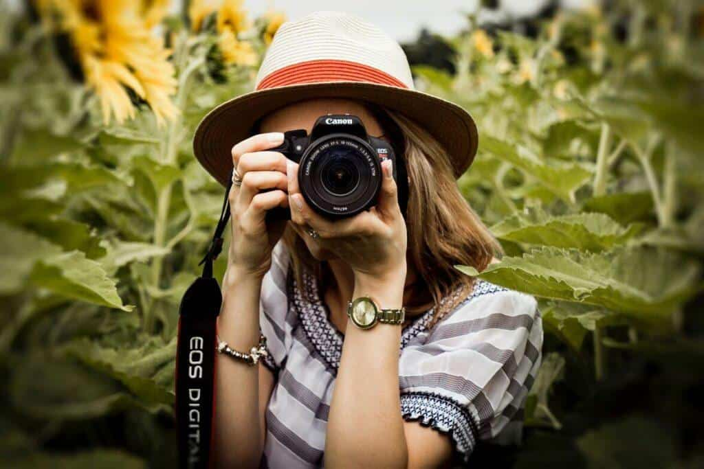 What camera do fashion bloggers use?